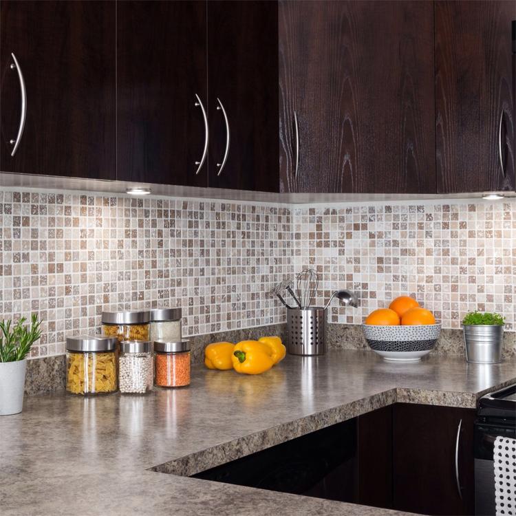 Мозаика в интерьере кухни фото